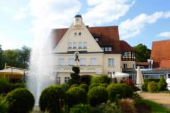 Drahthammer-Aussenbereich-Brunnen