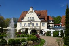 Drahthammer-Schloessl-Springbrunnen